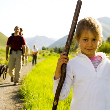 Girl-with-family-hiking,-Oa.jpg